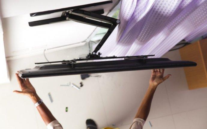 Кронштейн для телевизора на стену поворотный выдвижной: выбор