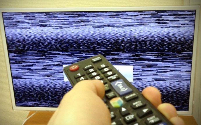 Опрос: россияне стали меньше доверять теленовостям :: Новости