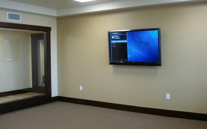 Установка креплений для различных устройств на стены вашего дома
